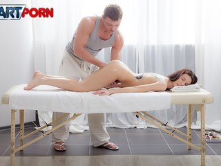 Sex hot girl craving for hard fuck in massage..